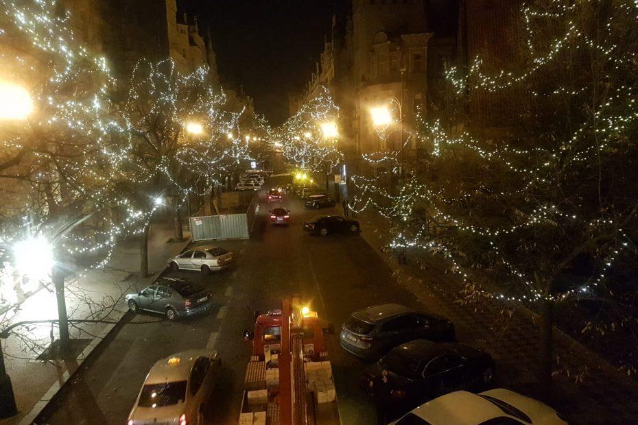 Vánoční osvětlení z plošiny